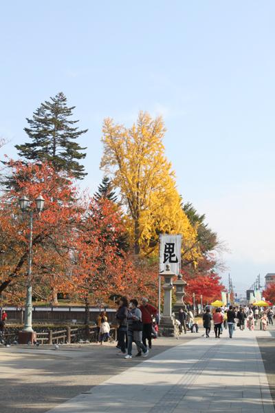 上杉神社の参道