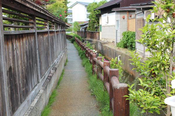 長井市小道